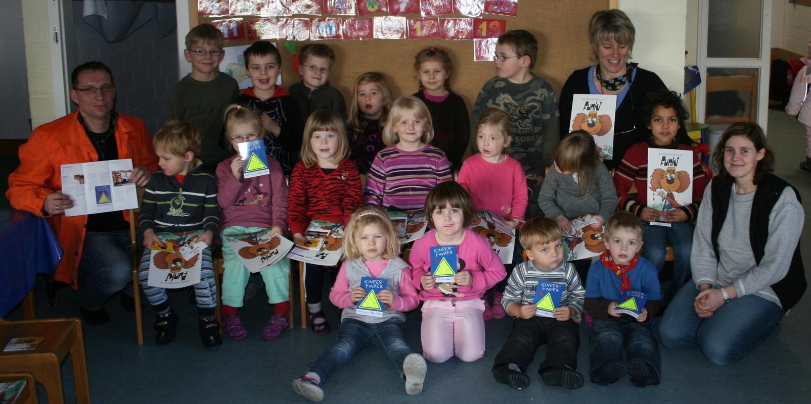 www.gelbesblatt.info Stuhlkreis im Kindergarten Adenstedt mit Kinderfindern gestaltet