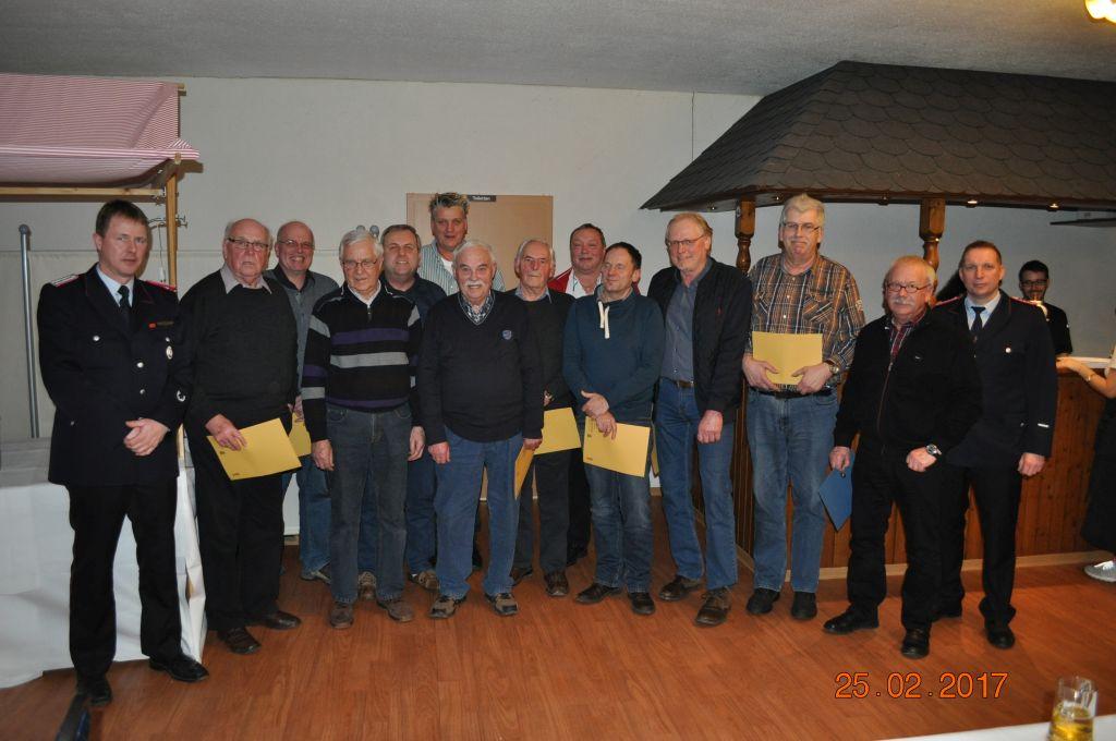www.gelbesblatt.info Jahreshauptversammlung bestätigt Kommando für weitere drei Jahre