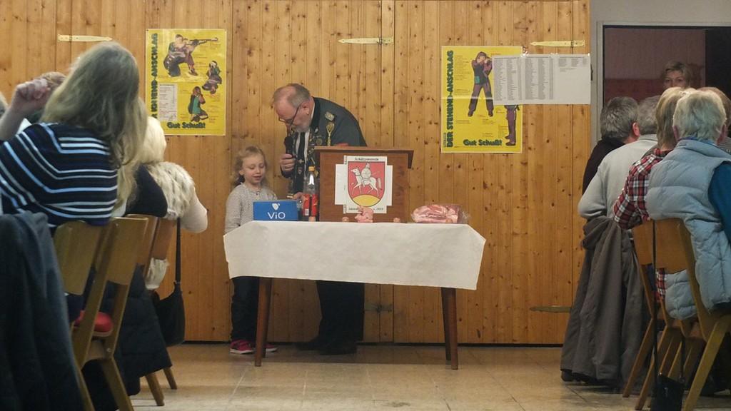 www.gelbesblatt.info 43. Schweinepreisschießen des Schützenvereins